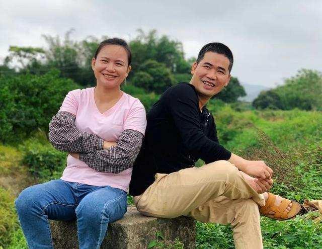 """广西村妇,靠拍视频,成""""千万网红"""",一年带货3000万,凭啥"""